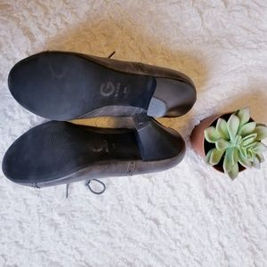 Guess Shoes - Guess Vintage Style Lace Up Heels in Gray 9.5